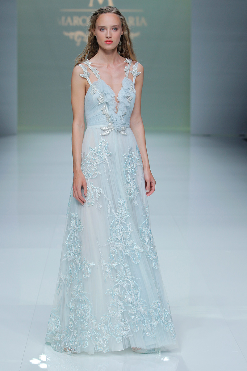 Marco-y-Maria-2019--Barcelona-Bridal-Fashion-Week-por-Rodolfo-Mcartney-Fotos-via-Barcelona-Bridal-Fashion-Week-vestidos-marcomaria_036