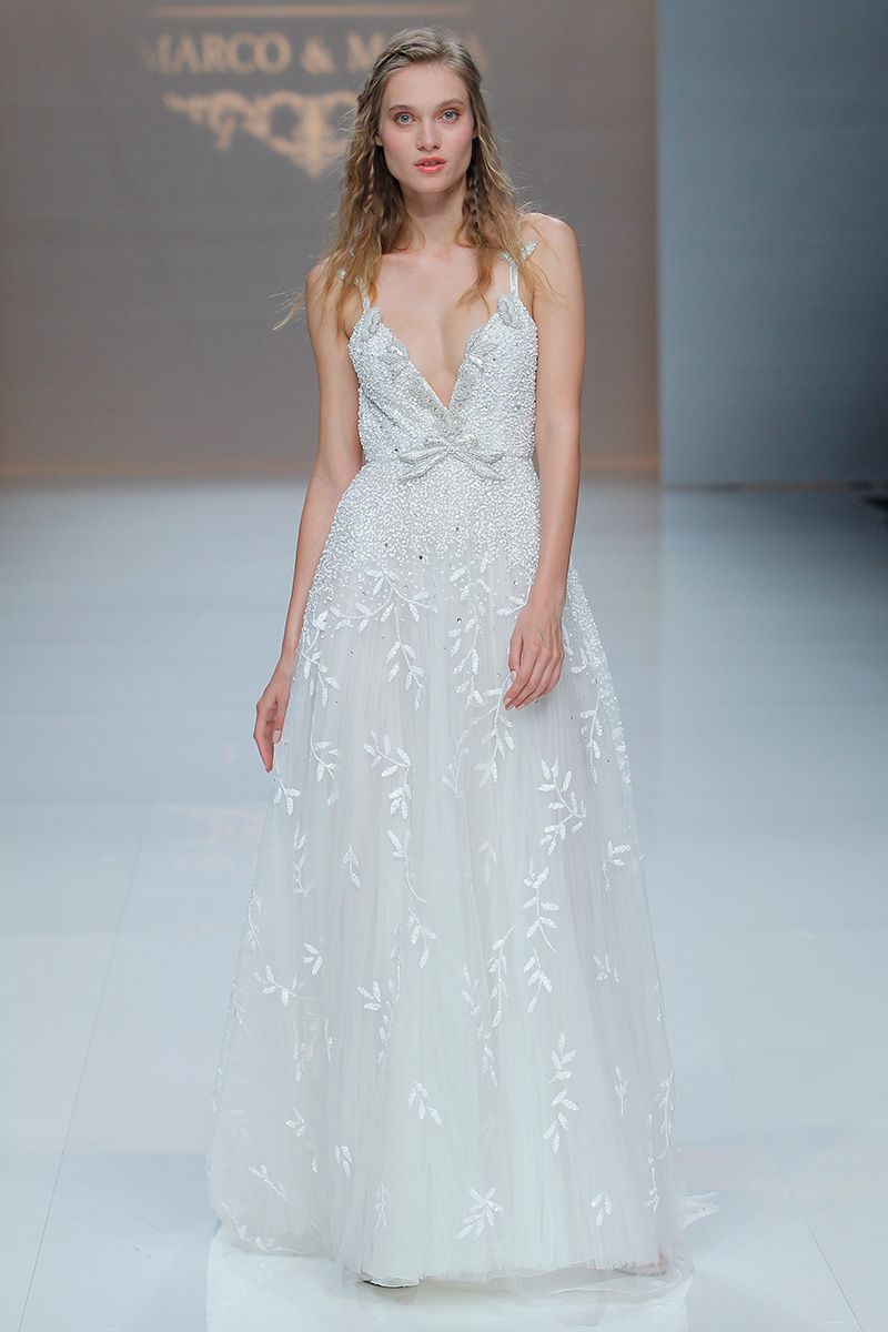 Marco-y-Maria-2019--Barcelona-Bridal-Fashion-Week-por-Rodolfo-Mcartney-Fotos-via-Barcelona-Bridal-Fashion-Week-vestidos-marcomaria_040