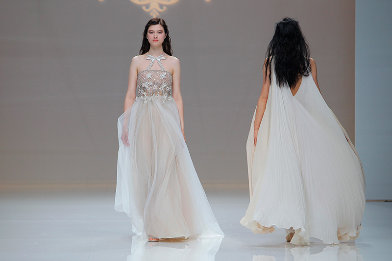 Marco-y-Maria-2019--Barcelona-Bridal-Fashion-Week-por-Rodolfo-Mcartney-Fotos-via-Barcelona-Bridal-Fashion-Week-vestidos-marcomaria_048