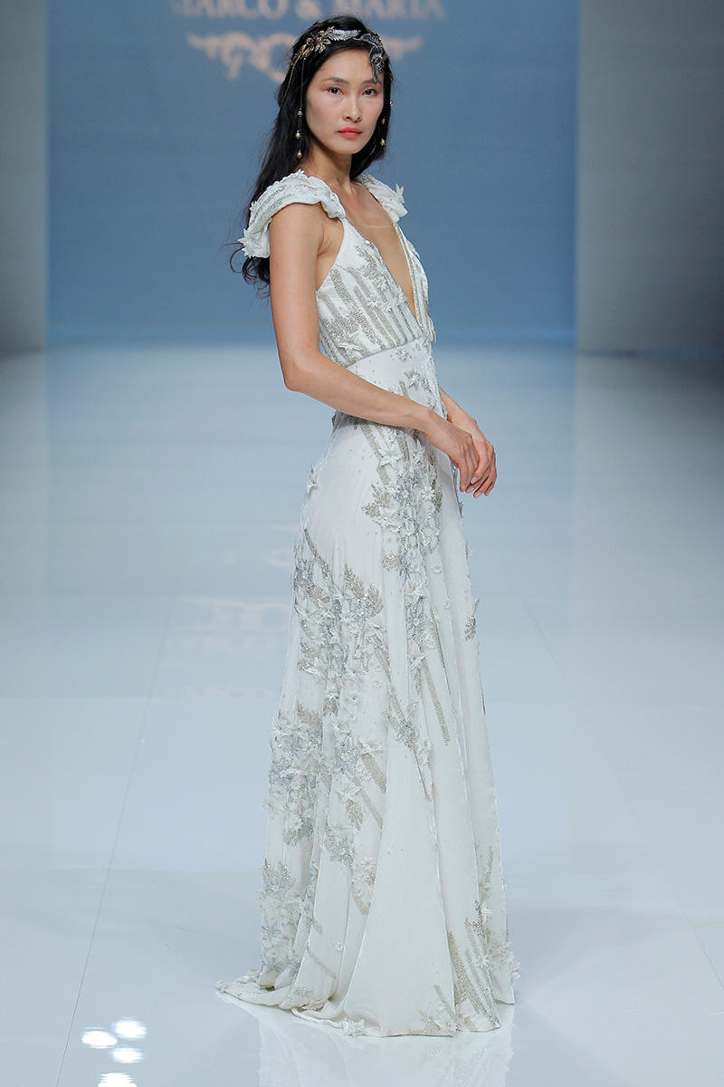 Marco-y-Maria-2019--Barcelona-Bridal-Fashion-Week-por-Rodolfo-Mcartney-Fotos-via-Barcelona-Bridal-Fashion-Week-vestidos-marcomaria_082