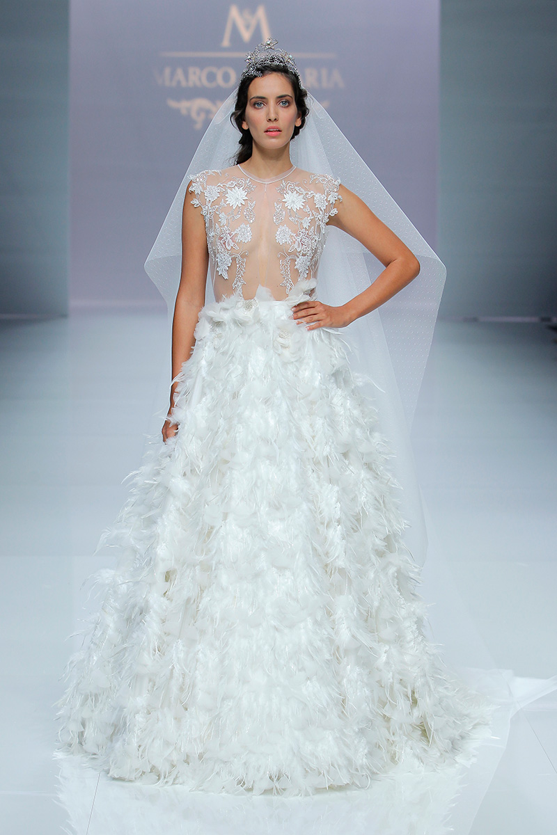 Marco y María/ Fotos vía Barcelona Bridal Fashion Week