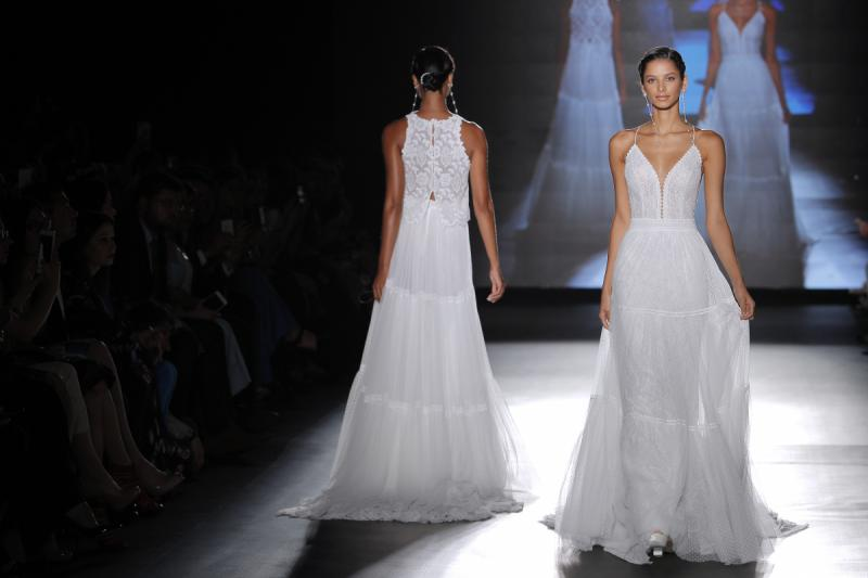Rosa Clara 2019 Barcelona Bridal Fashion Week por Rodolfo Mcartney Vestidos Rosa Clara via Barcelona Bridal Fashion Week 8