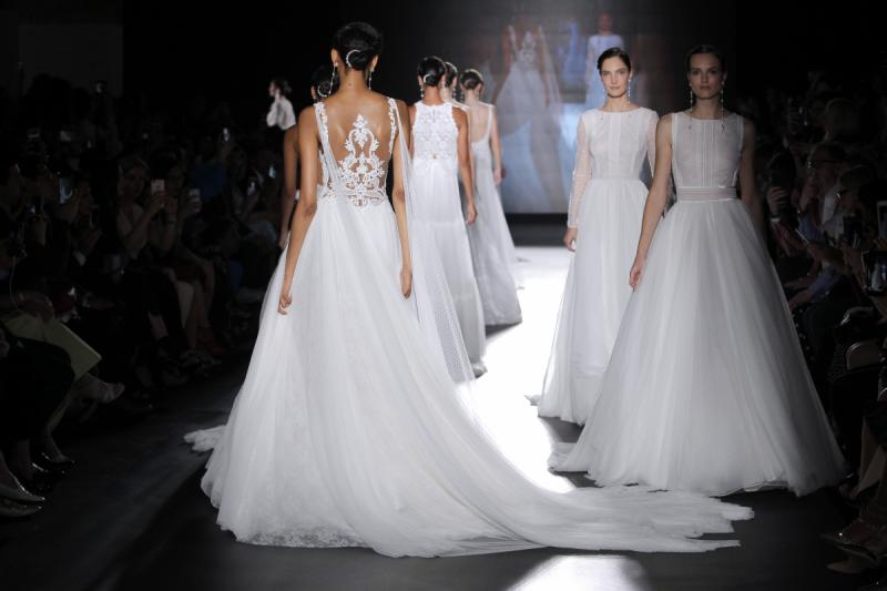 Vestidos Rosa Clara/ Fotos vía Barcelona Bridal Fashion Week