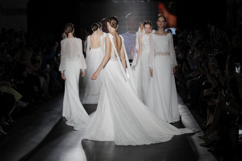 Vestidos Rosa Clara/ Foto vía Barcelona Bridal Fashion Week