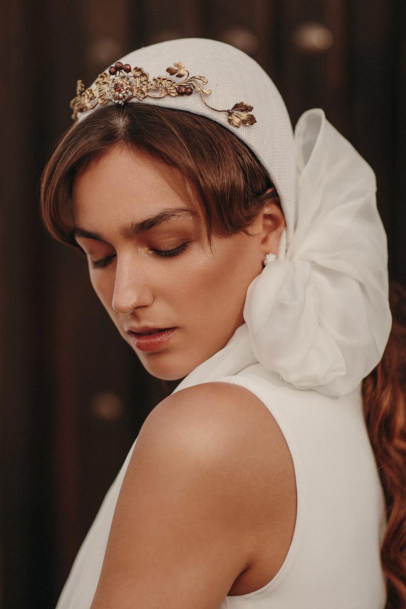 Infalible-nueva-coleccion-tocados-novia-invitada-Martina-Dorta-Foto-Juan-Trujillo-Vestido-Helena-Mareque-4-(1)