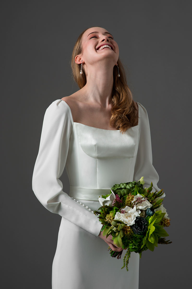 si-quiero-abril-recomendados-del-mes-novedades-novias-vestidos-por-Rodolfo-Mcartney-Vestido-ESCUER-Fotos-de-Arnau-Sole-4
