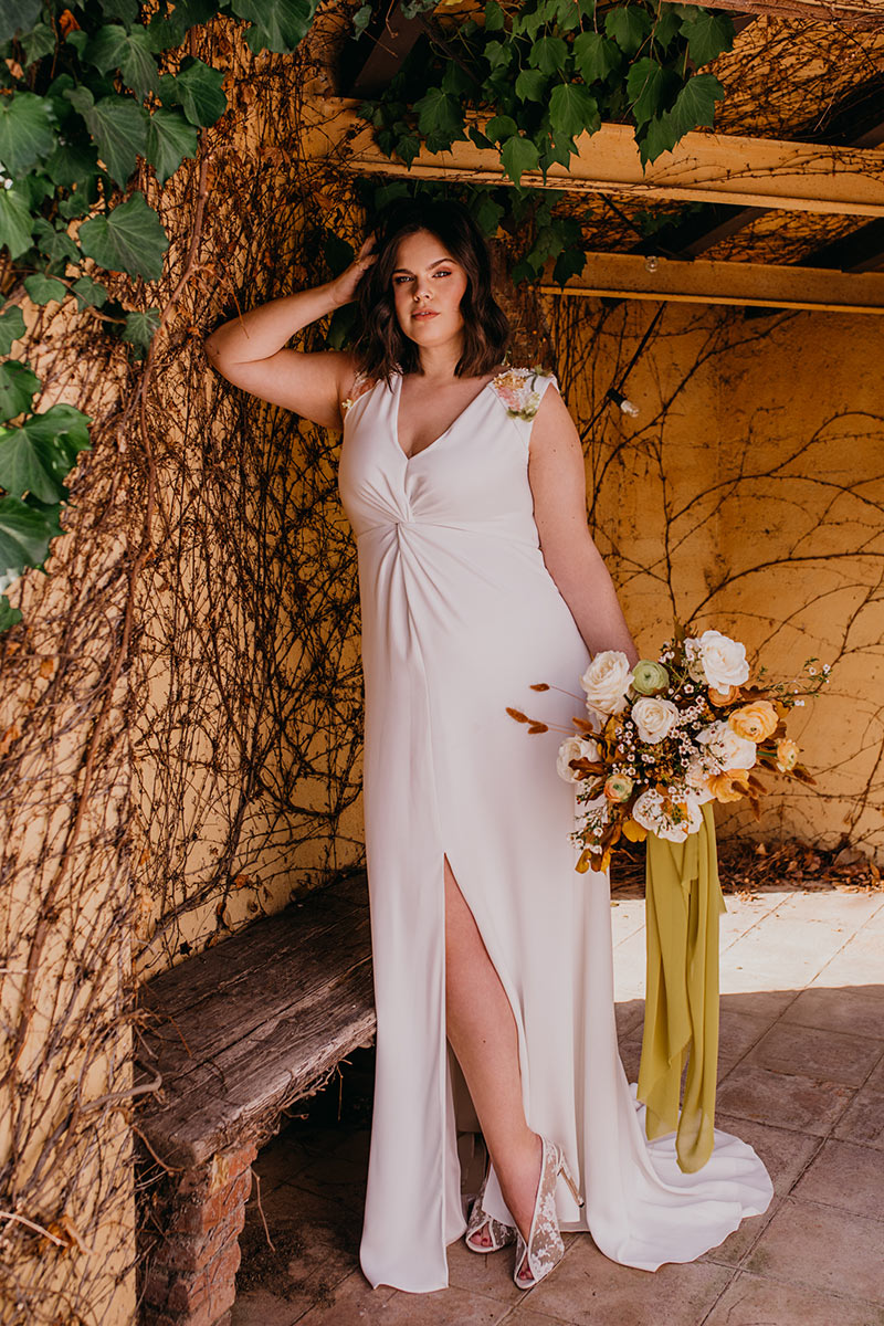 TB-inspiracion-novia-curvy-bride-por-Rodolfo-Mcartney_Fotos-de-Sr-Isatis_look-1_Bebas-(1)