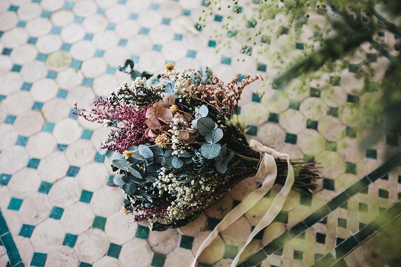 Ramo Flores en el Columpio/ Foto Lísola Fotografía